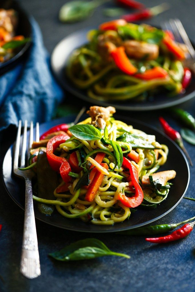 Healthy Whole30 Drunken Noodles | The Movement Menu