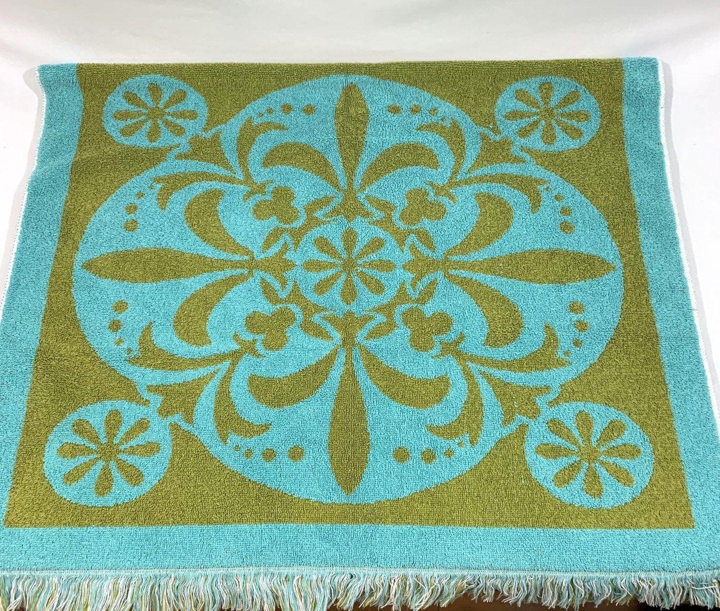 Vintage Bath Towel Green Floral Sculpted Fringed Bath Towel