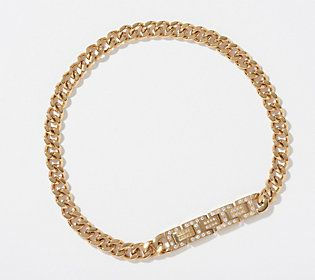 Your furry fashionista will be loving this curb link collar -- a bit of bling that's absolutely worthy of her diva attitude.