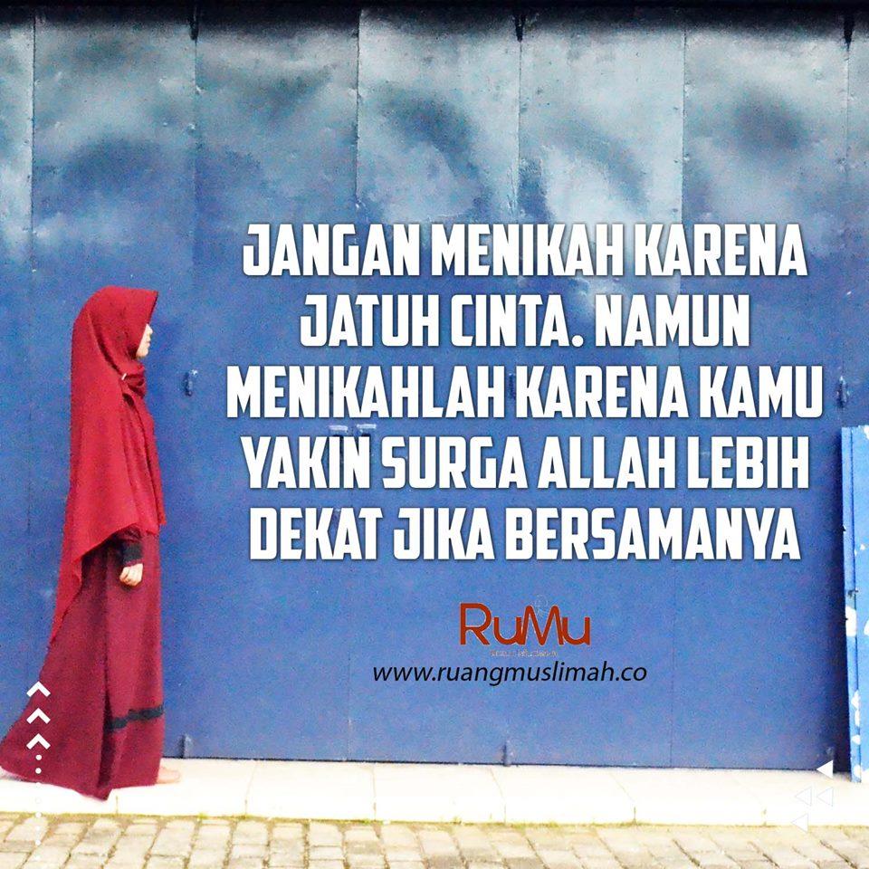 Kata Kata Wanita Muslimah Jatuh Cinta Kata Kata Mutiara Di 2020 Jatuh Cinta Kata Kata Mutiara Bijak