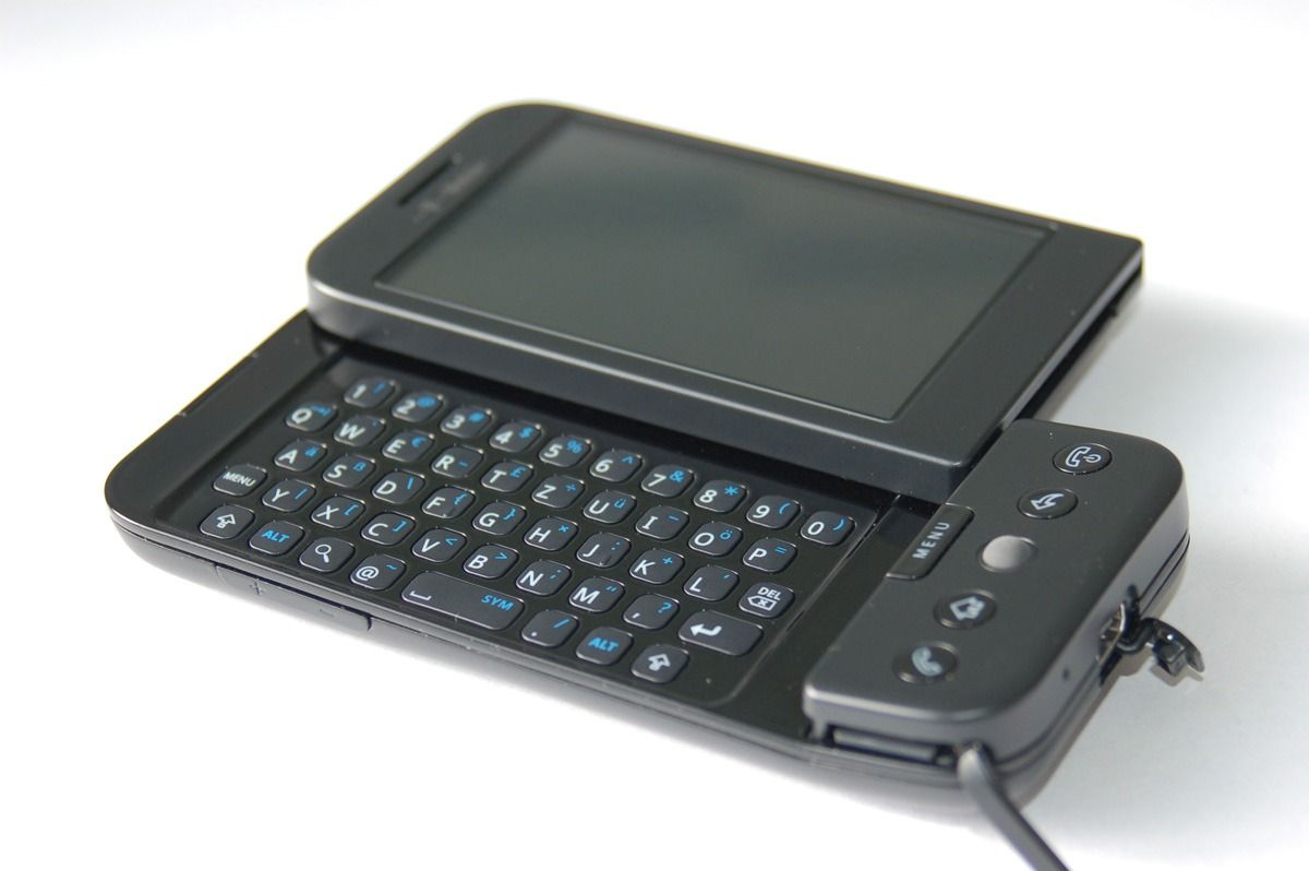 The first ever #Android phone... only 4 years ago. Looking at it reminds me to the now obsolete Nokia comminicators