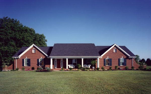 Ranch style home exterior 5 classic home exterior styles for Classic home exteriors