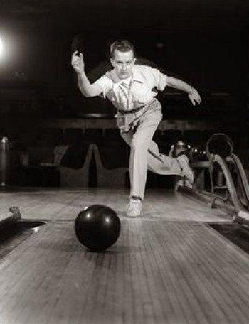 How To Bowl A Strike Bowling Bowling Tips Bowling Team