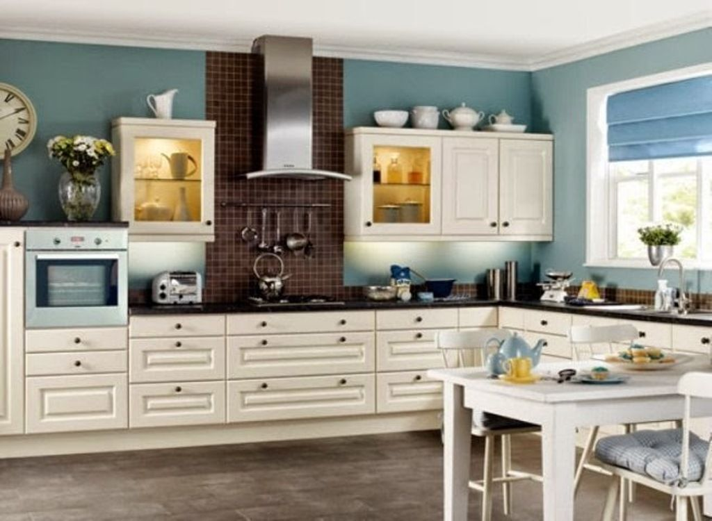 teal-wall-color-with-shaker-styled-cabinet-for-colonial-kitchen