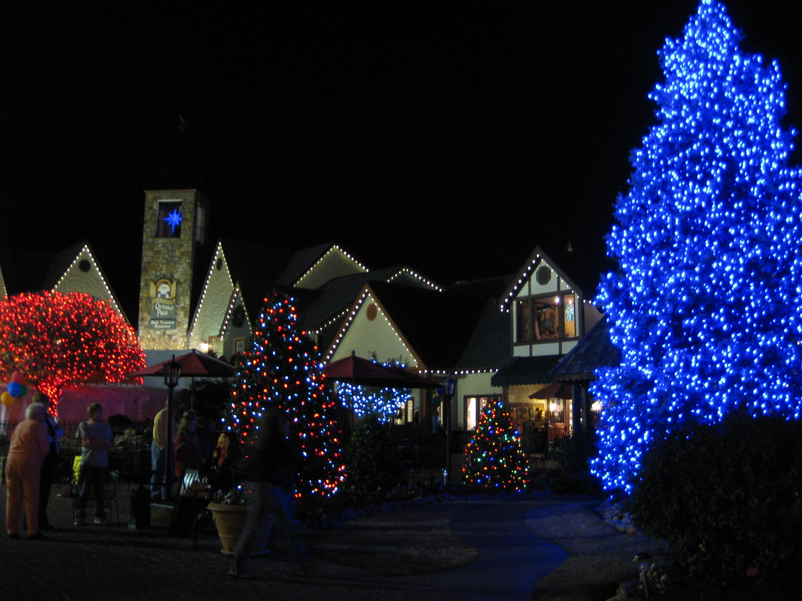 Gatlinburg Tn Christmas Lights.Pigeon Forge Christmas Lights Tennessee Dixie Stampede