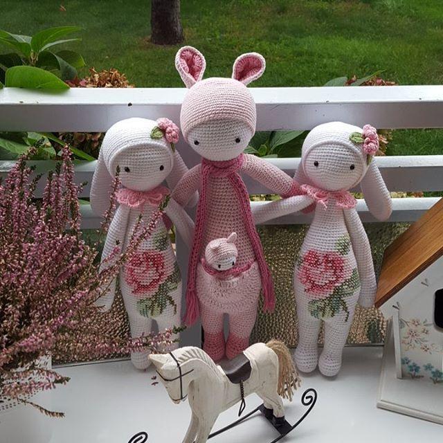 #atolyebaris #amigurumi #tavşan #bunny #kanguru #kangaroo #amigurumitavşan #amigurumibunny #amigurumikangaroo #crochet #crocheting #craft #crochetdoll #amigurumicrochet #toys #knittedtoys #lalylala #kira #rita #örgüoyuncak #örgübebek #tığişi #doll #handmade #hediye #yarnart #yarnartjeans
