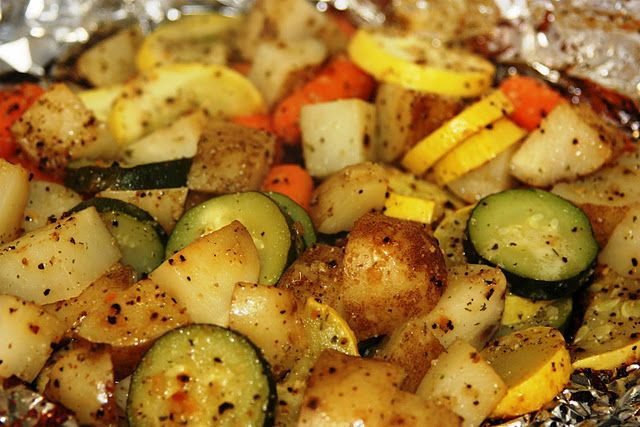 Grilled Veggie Packets. oh yum... love these!