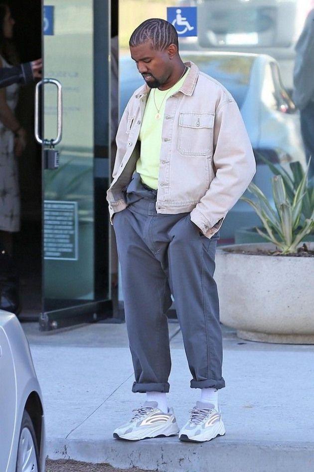 Kanye West Wearing Adidas Yeezy 700 V2 Static Yeezy Season 6 Denim Jacket Men Sseasonaloutfit Men S Season Kanye West Outfits Kanye Fashion Kanye West Style