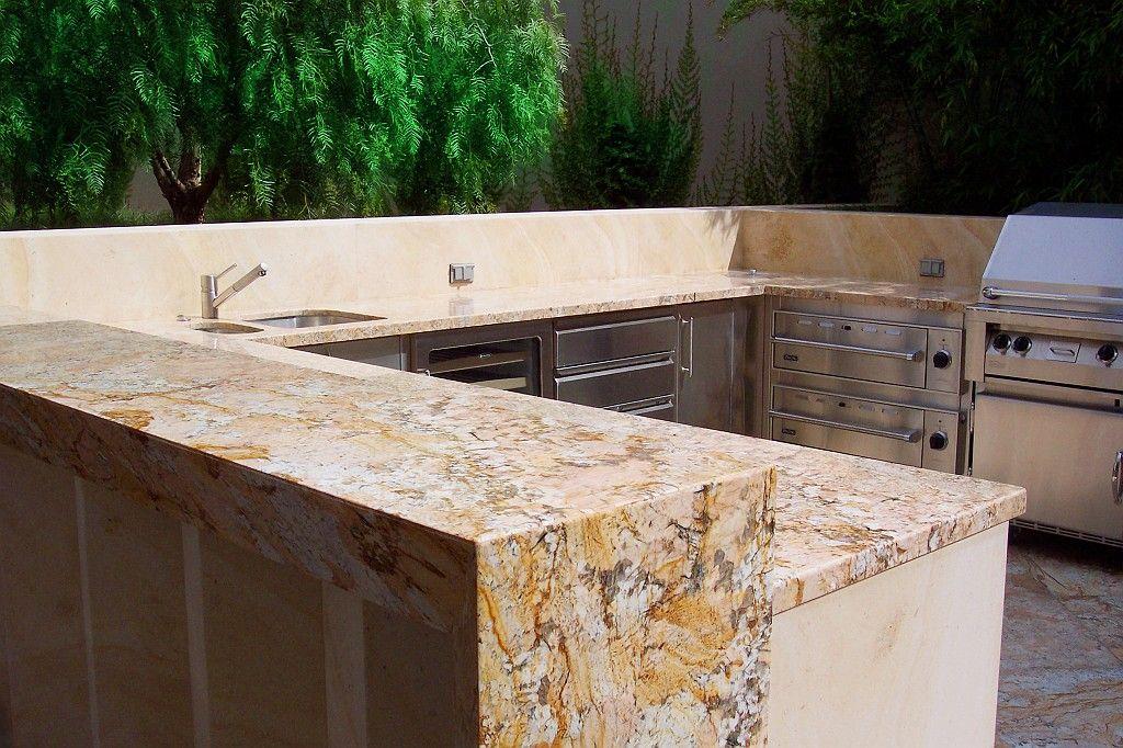 Naturstein Arbeitsplatten verleihen der Outdoor-Küche eine - arbeitsplatten für die küche