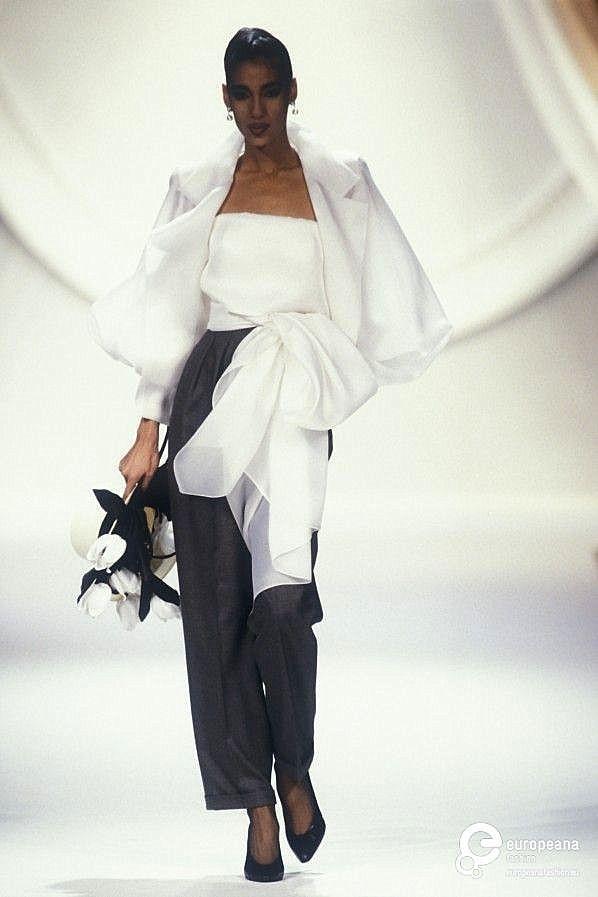 5d5ebfefc 1990 Christian Dior