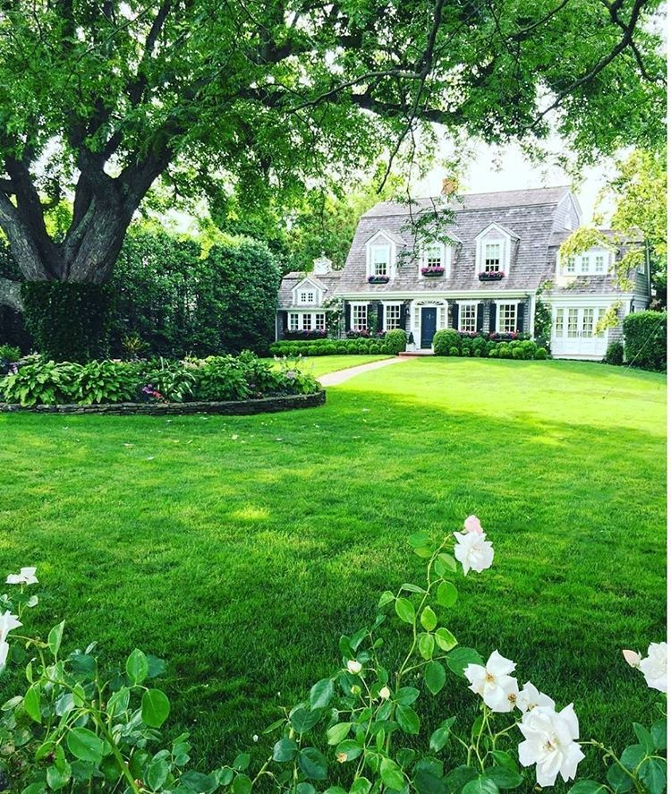 12k Likes 149 Comments Veranda Magazine Verandamag On Instagram If You Can 39 T Be In Martha 39 S Vineyard Th House Exterior Beautiful Homes Exterior
