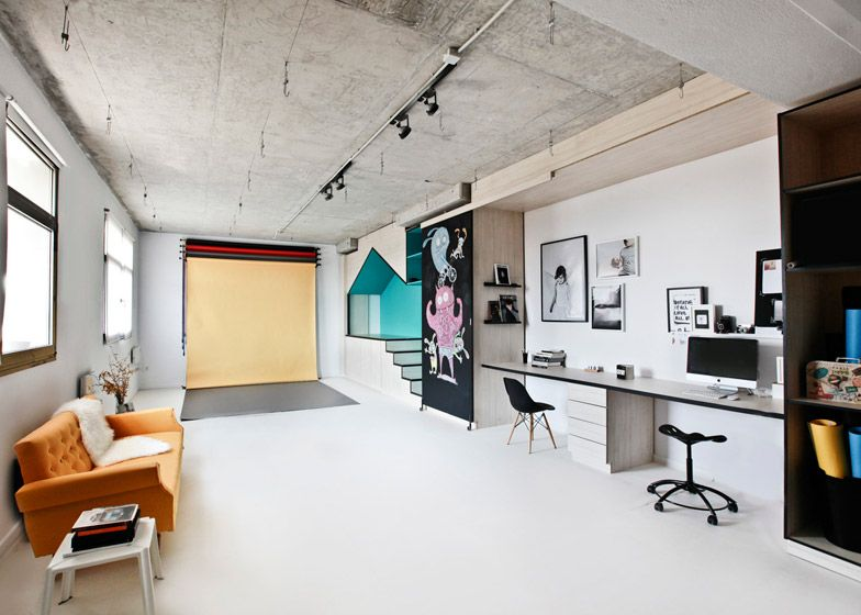 Photography Studio By Input Creative Studio Features A Playhouse Photography Studio Design Home Studio Photography Studio Interior
