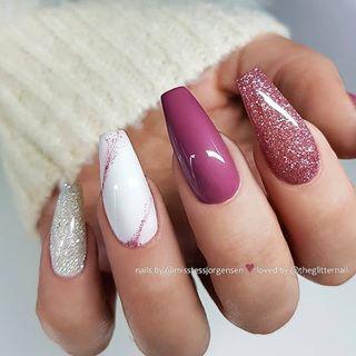38 Wonderful Pink Nail Art Design Ideas Nails Pink Nails Pink Glitter Nails Pink Nail Ideas Nails Instagram Bea Pink Glitter Nails Gorgeous Nails Pink Nail Art