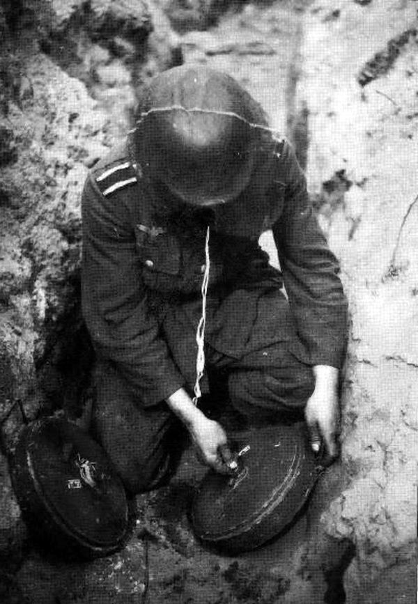 Image result for ww2 german tellermine mine