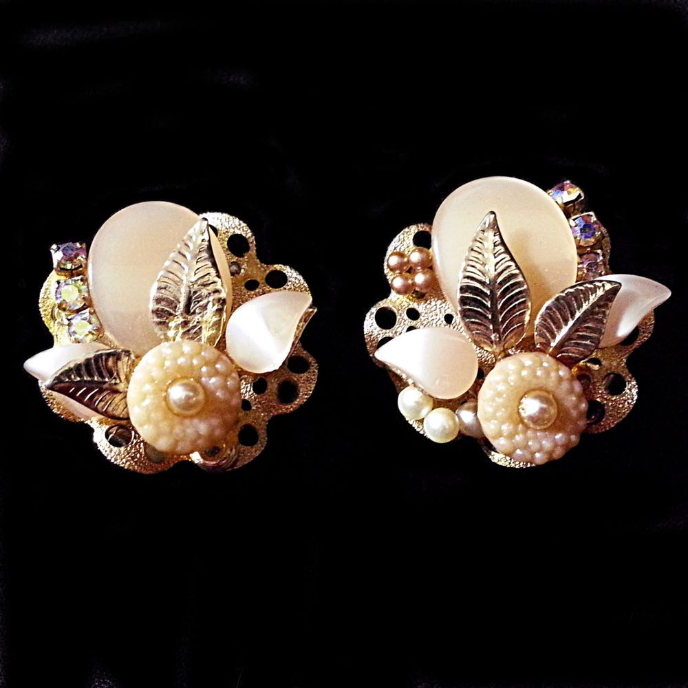 Peach Moonglow Earrings Flower Vintage AB Gold Tone Clip On Costume Estate e214 #Unbranded