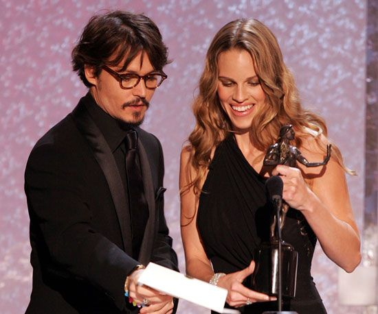 Johnny Depp showed Hilary Swank her winning name for her work in Million Dollar Baby at the 2005 SAG Awards