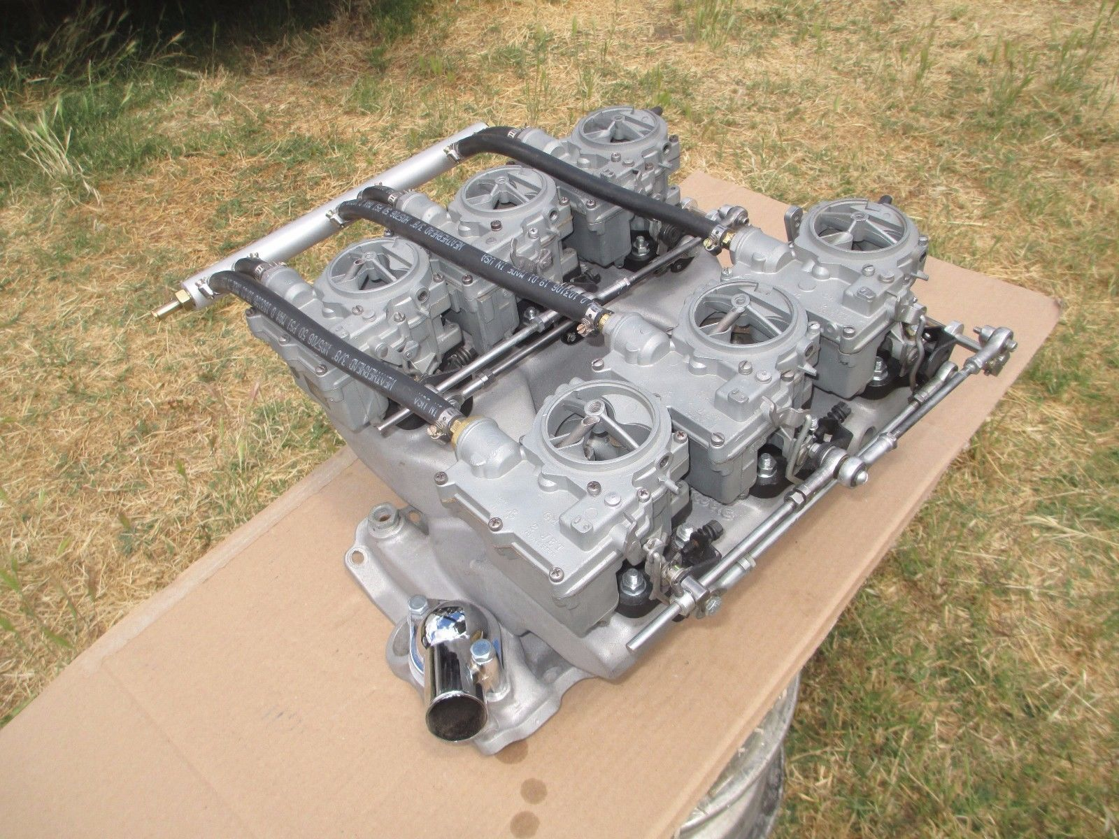 Details about Edelbrock TR1Y Chevy 350 SBC Tunnel Ram Intake