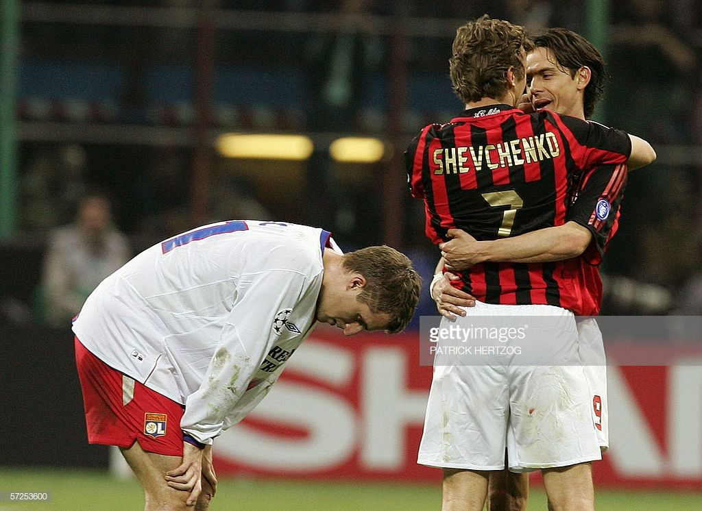 10df38ccf95cbd AC Milan's forward Andriy Shevchenko of Ukraine (C) is congratulated by  teammate Filippo Inzaghi as Lyon's defender Francois Clerc (L) reacts  during their ...