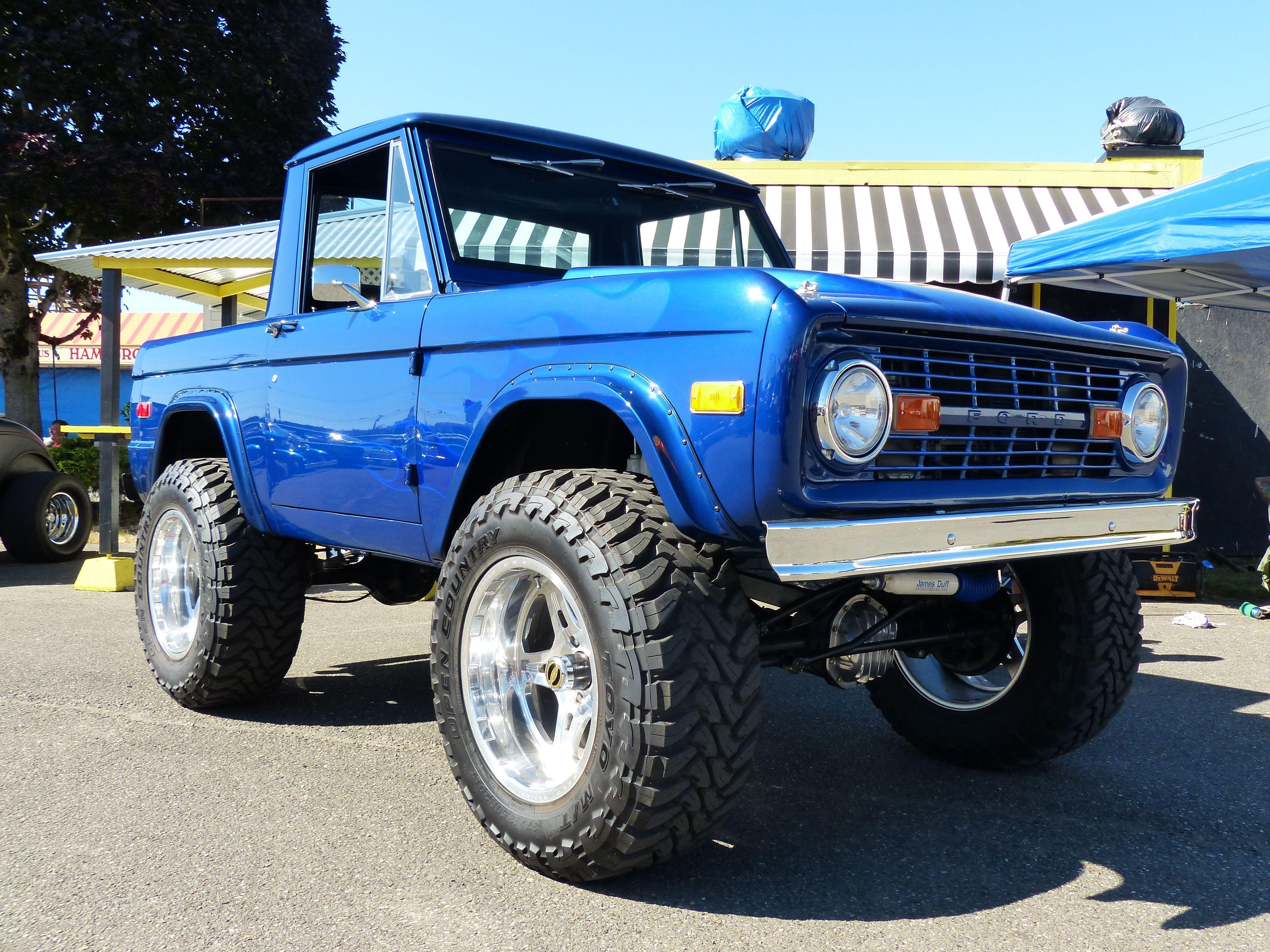 Ford Bronco Raznoe