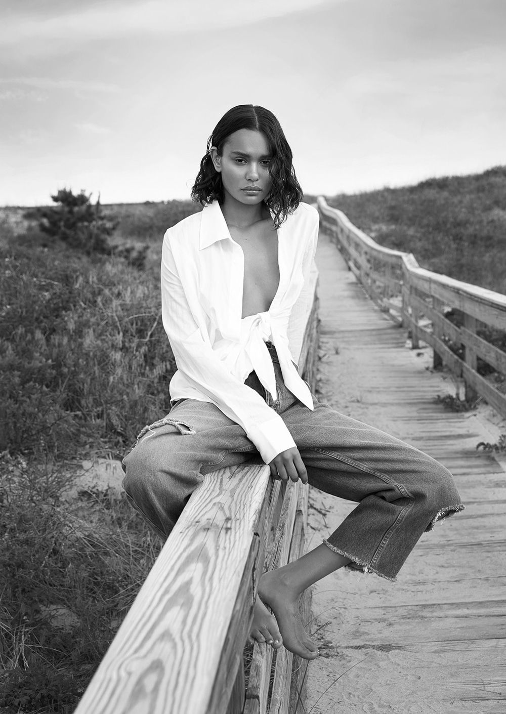 Remi Pyrdol Latest Editorial Has Been Released Featuring Sam Swan Beach Photoshoot Photography Inspiration Portrait Model Poses Photography