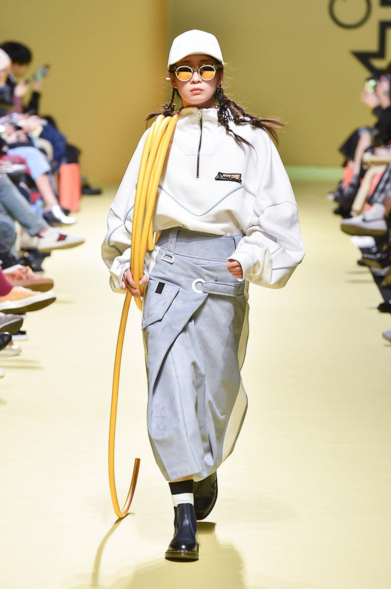 Cres. E Dim. Seoul Fall 2017 Fashion Show in 2020 | Seoul ...