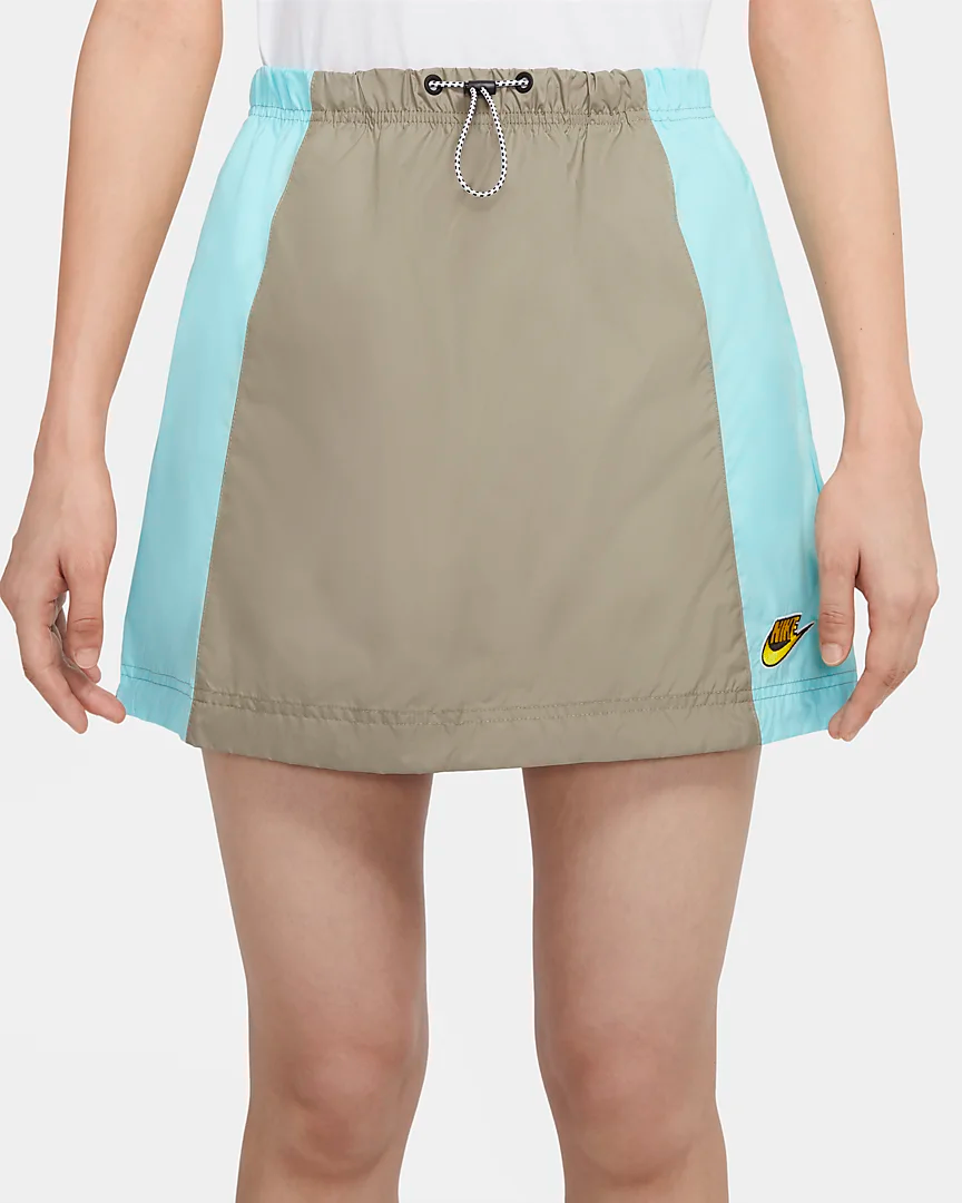 Nike Sportswear Icon Clash Women's Woven Skirt (Plus Size