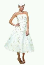 Very reminiscent of Grace Kelly's 56 Academy Awards dress. Perfect! I love my friend Meka for finding this!