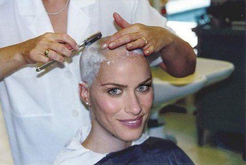 Shaver Bald Women Fetish 39