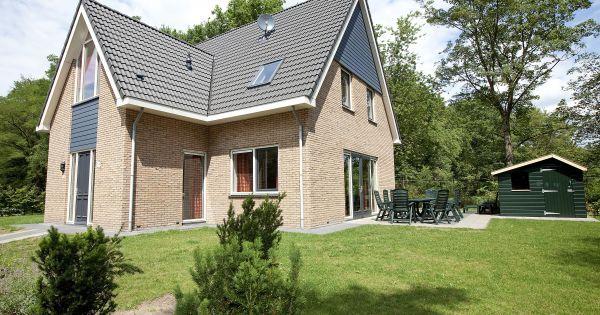 Bonte Specht Luxe (10FL) Indeling: ruime woonkamer met flatscreen tv ...