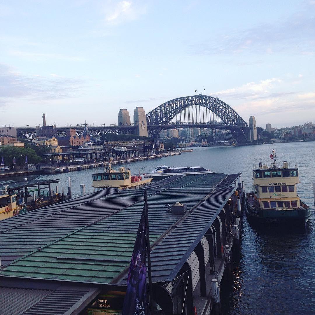 Good Morning Sydney #makelifehappen #sydney #sydneyharbourbridge #sosydney #goodmorning #earlyrise #thursday #harbour #ferrylife #thechaseison by freshmeaney http://ift.tt/1NRMbNv