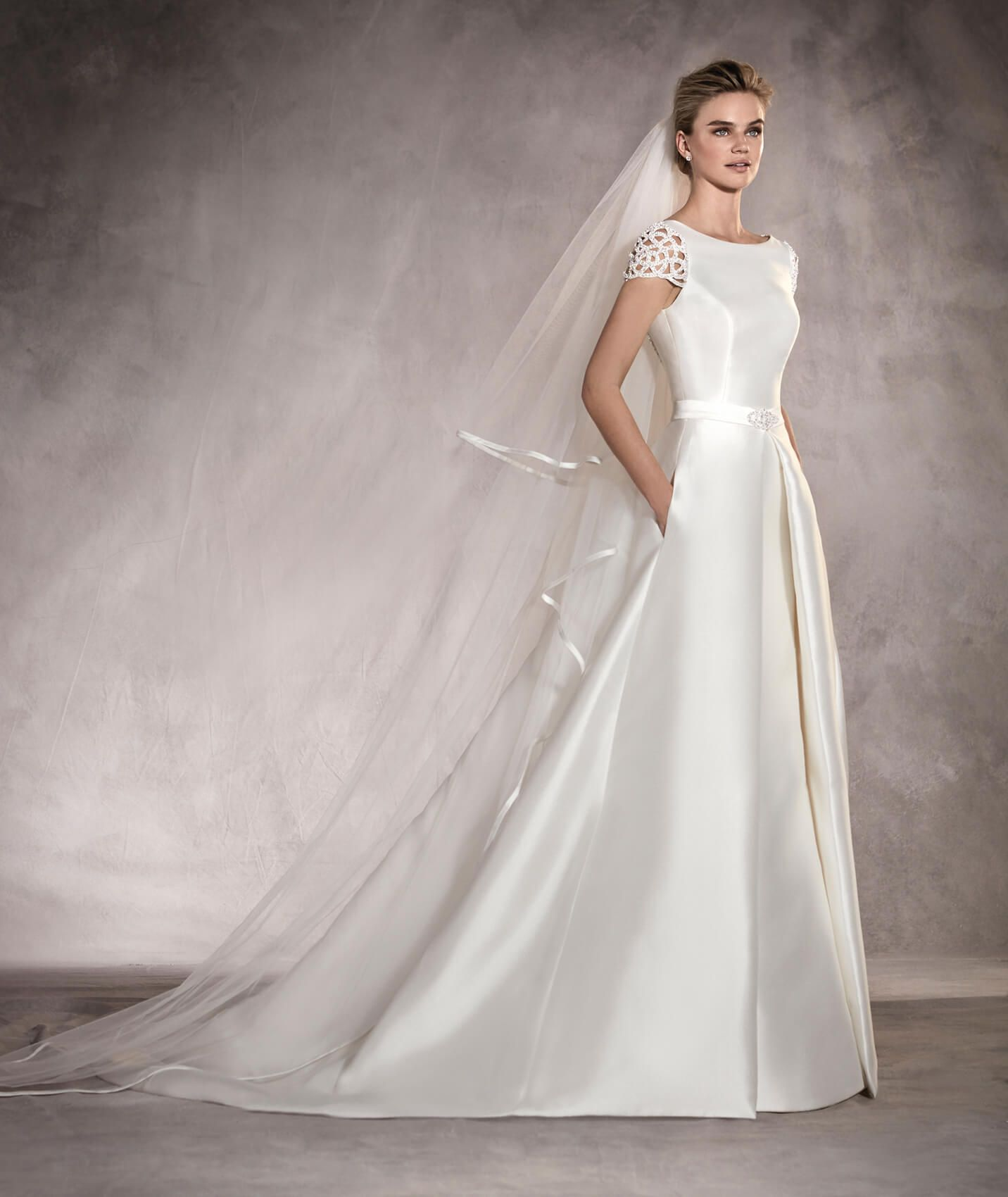 Ponovias atalaya style short sleeve aline pocket wedding dress