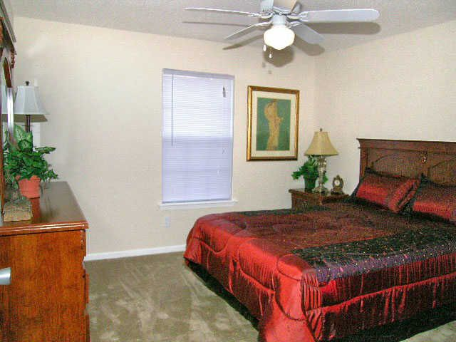 King Sized Bedrooms Mt View Apartments Tuscaloosa Alabama King Sized Bedroom Apartment Furniture