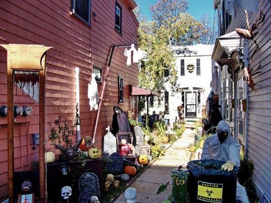 Visiting Salem for Halloween http://thingstodo.viator.com/boston ...