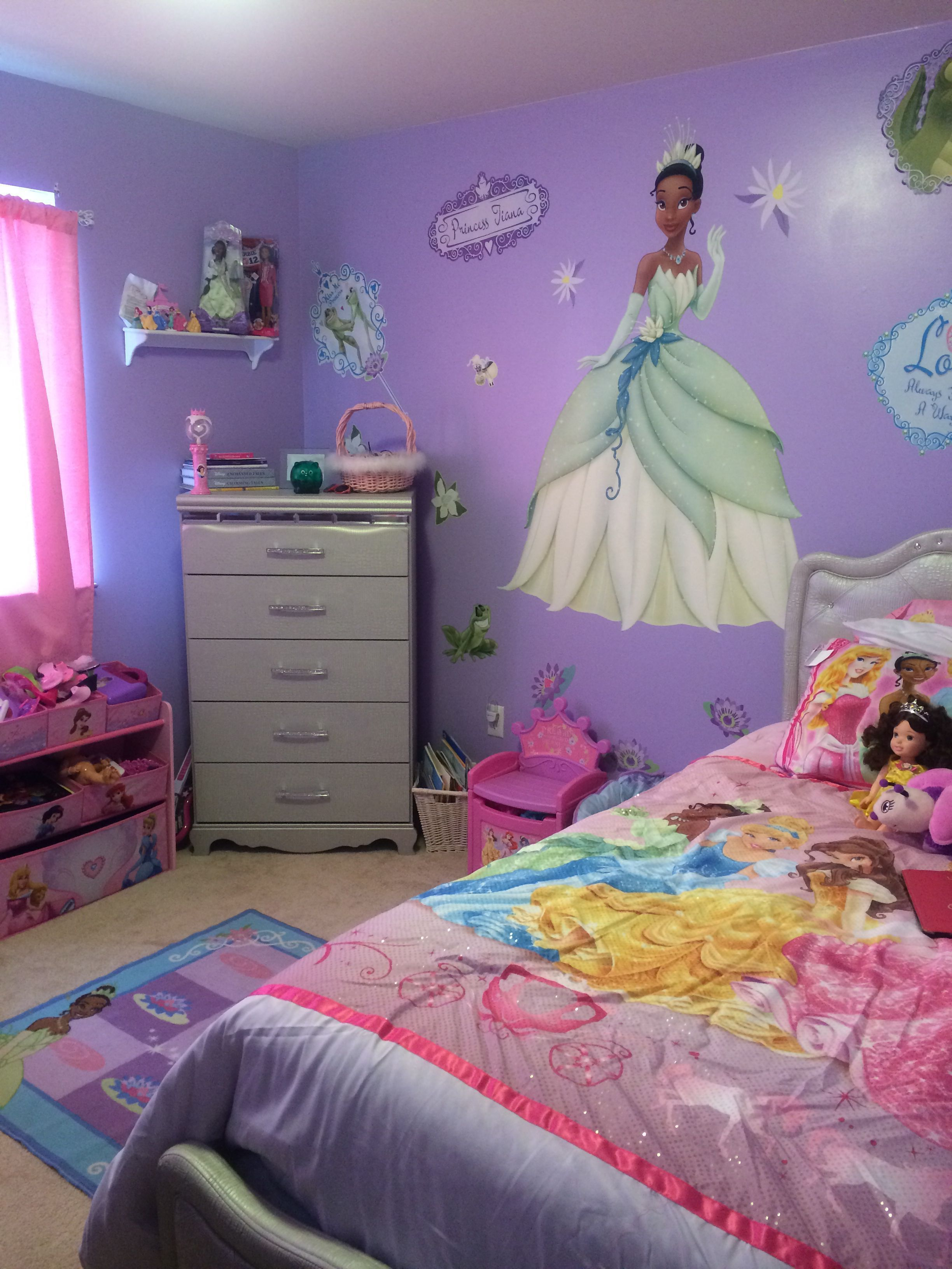Disney Princess Space Accessories Are Anywhere And This Is The Good News Princess Bedrooms Princess Room Decor Disney Princess Room