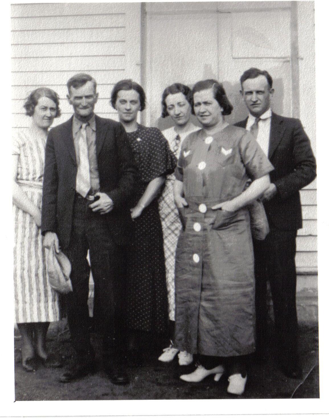 Abt 1935 Nell, Bill Sr, Katharine, Winnie, Anna, Bill
