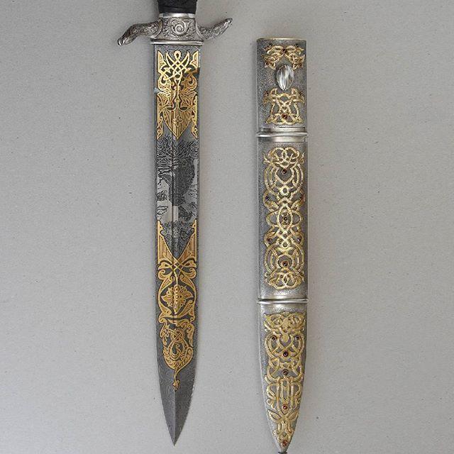 #noblie #nobliecollectibles #knifecollection #knifelife #knivesdaily #customknife #knifemaker #knivesofig #knifeaddict #giftforhim #knifeart #knivesofinstagram #knifeaddiction #handmadeknives #knifeclub #allknivesdaily #knifeaction #knifeobsession #luxurygifts #tacticalknives #handmadeknife #canivete #canivetes