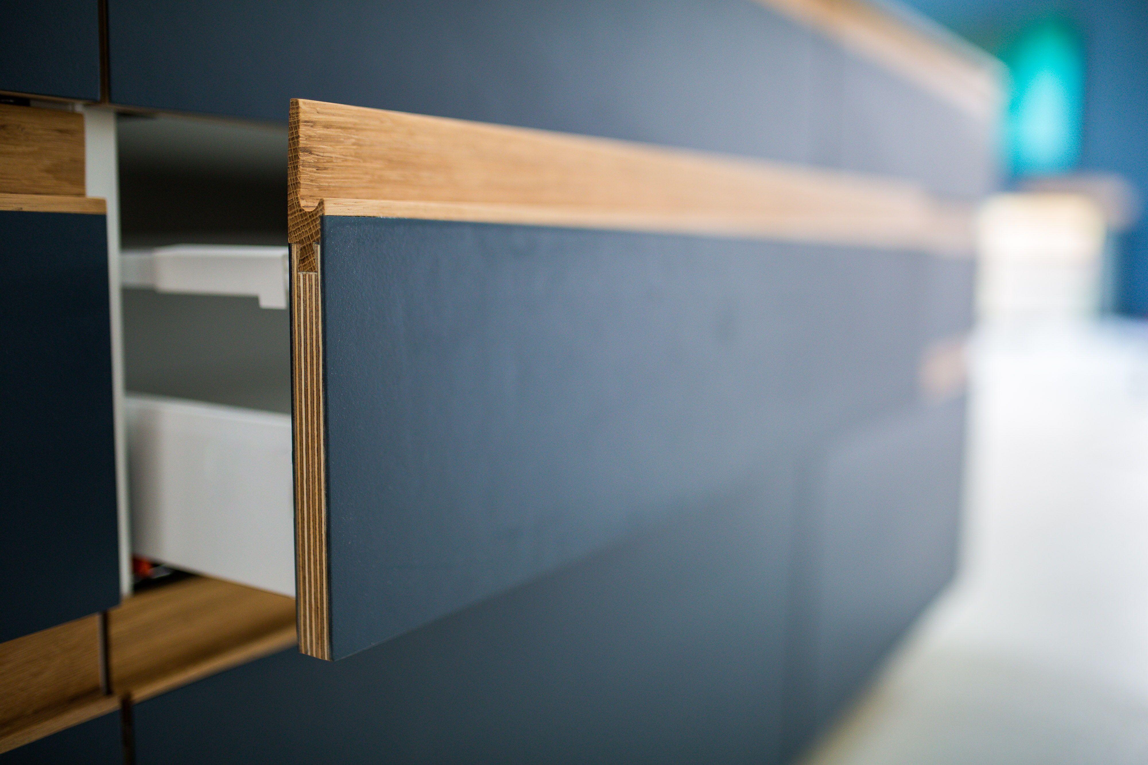 Fronten Fur Ikea Kitchen Design Blue St Linoleum Mit Nussbaum Geolter Griffleiste Photo Nedim Husicic Mit Bildern Sperrholzkuche Kuchen Fronten Ikea Kuchenideen