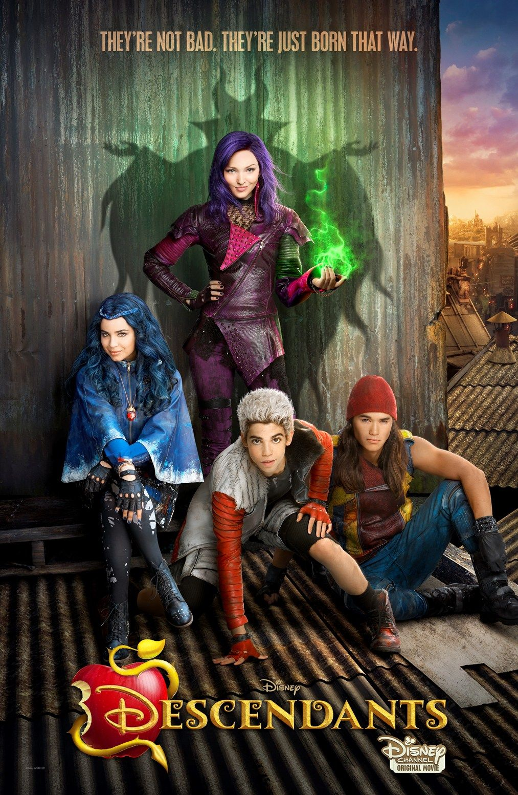 Trailer De Descendientes Tvmovie De Disney Voxpopulix Com Disney Descendants Movie Disney Channel Movies Disney Channel Descendants