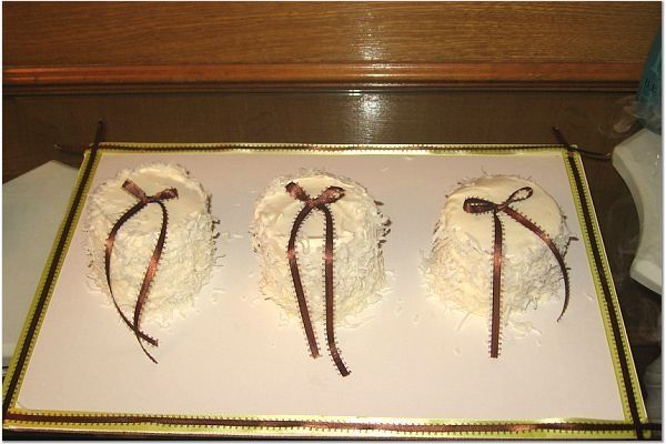 Mini Italian Creme Cakes