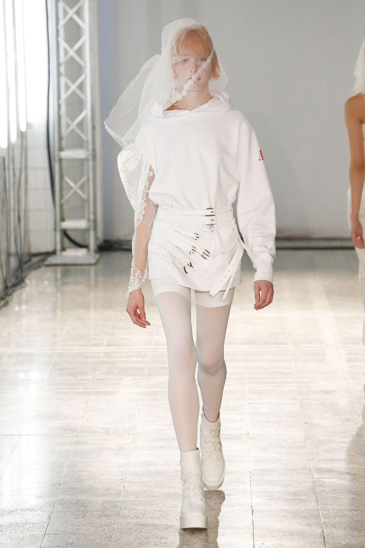 Ss19 Runway By Designer Af Vandevorst Fashion Show Fashion Ready To Wear