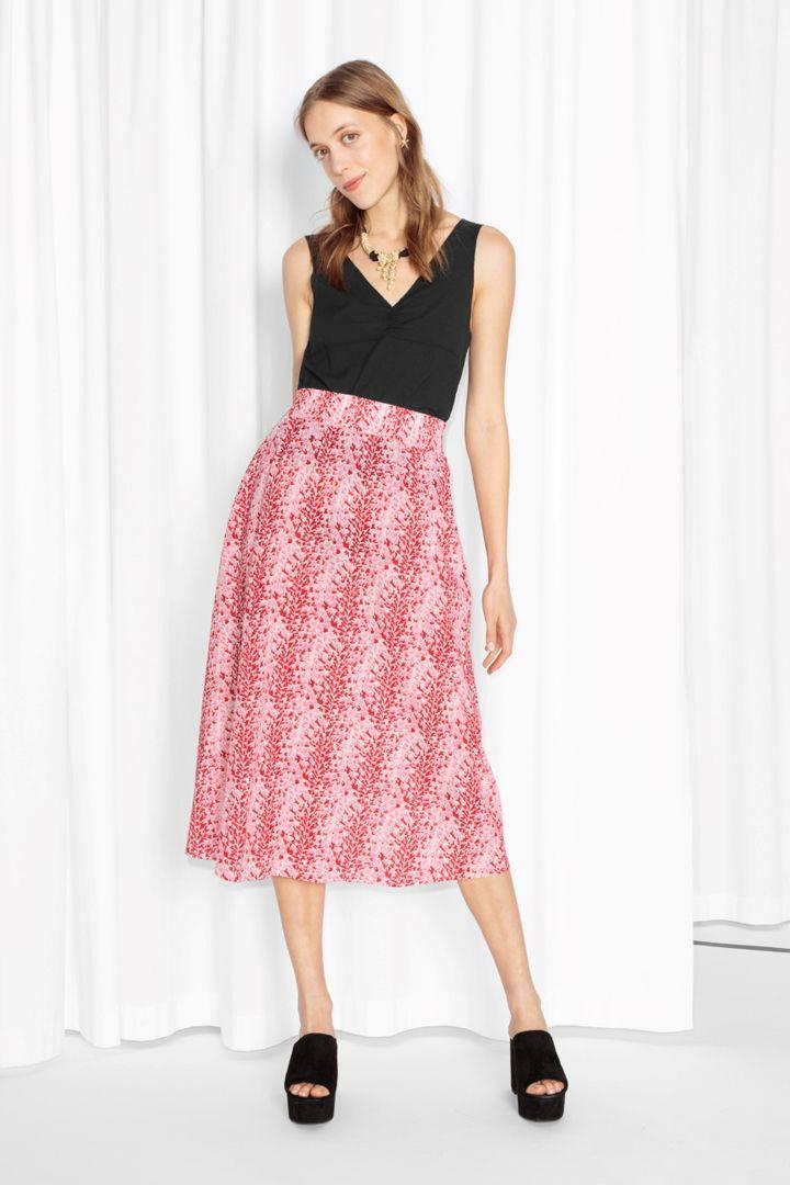 Ropa para pieles claras http://stylelovely.com/shopping/ropa-para ...