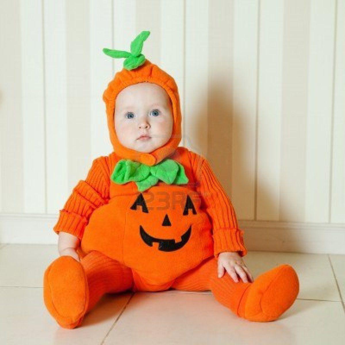 niños y bebés disfrazados de calabaza. Fotos de bebés