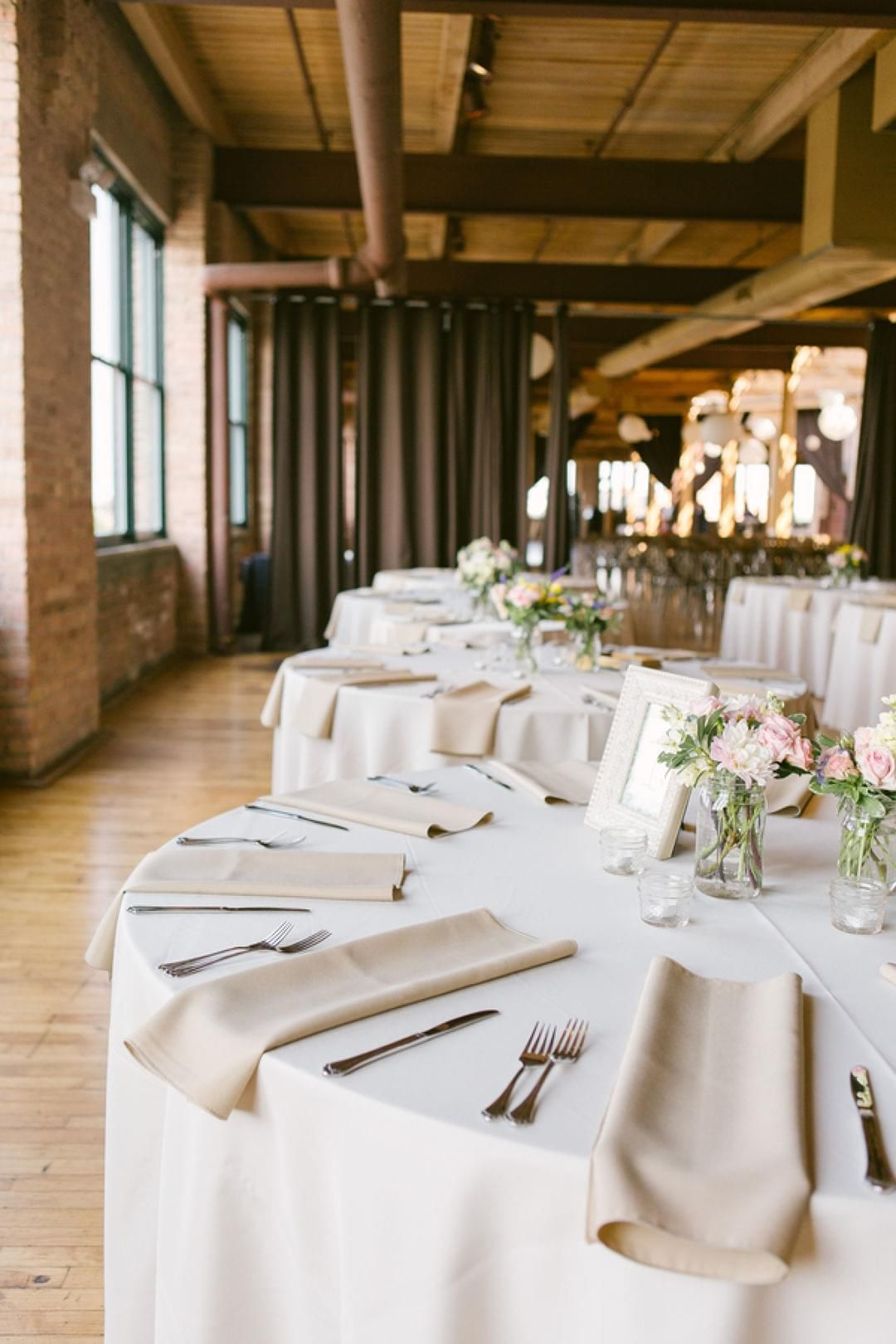 Wedding Vendors Zola Architectural Elements Table Inspiration Exposed Brick
