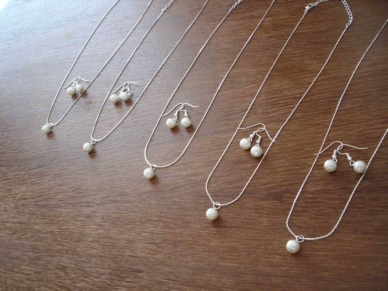 5 Bridesmaid Single Pearl Jewelry Sets Necklace and Earrings