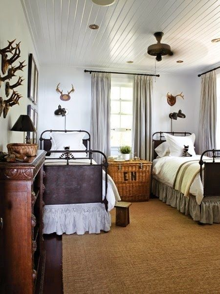 How To Include Taxidermy Into Trendy Home Decor: Trend Watch: Decorating With Antlers And Taxidermy