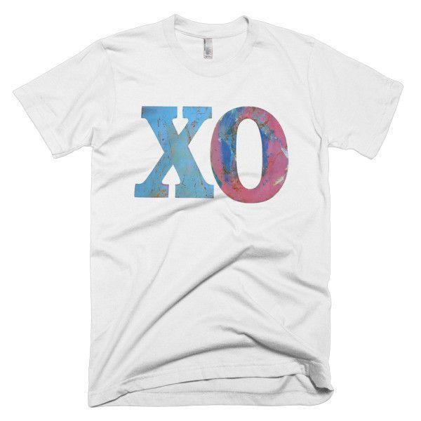 XO Distressed Hugs & Kisses Love Unisex Mens Tee Short sleeve men's t-shirt