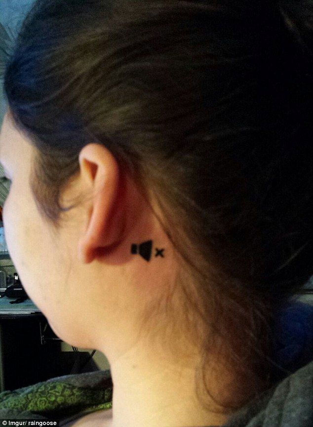 Woman Gets Tattoo On Her Ear To Remind People She S Deaf Clever Tattoos Deaf Tattoo Girl Tattoos
