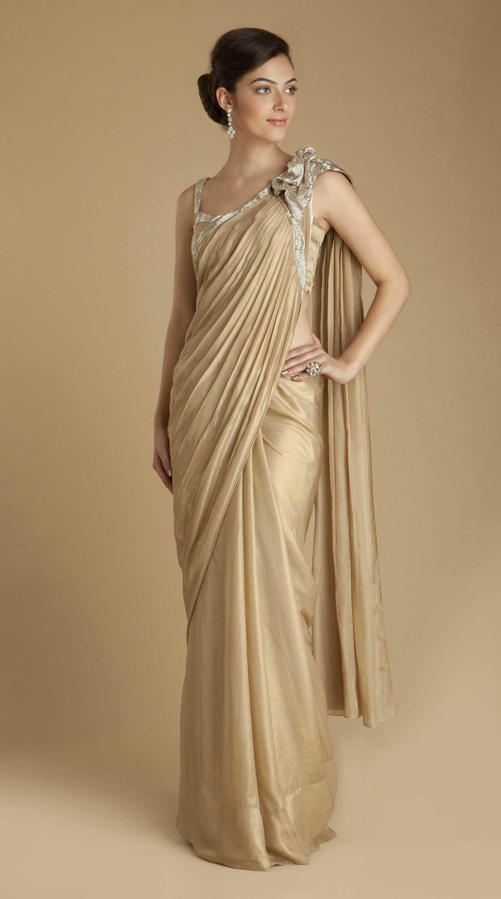 f2a92048c6393 gaurav gupta chiffon brooch sari