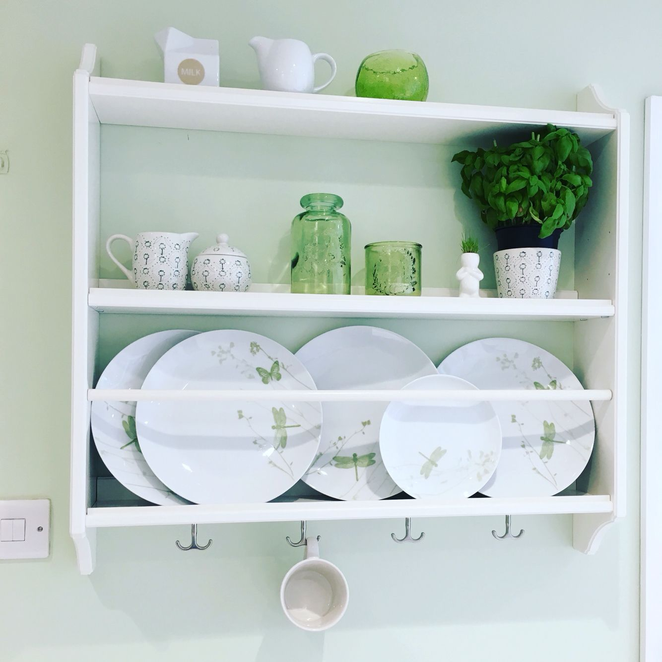 Stenstorp ikea plate rack in a green and white kitchen for Ikea plate storage