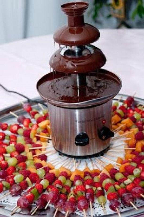 Pour finir en douceur Rien de tel que le chocolat fruit #chocolate #chocolate #fountain #chocolatefountainfoods